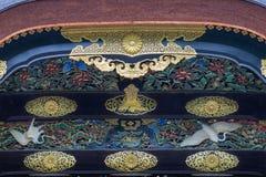 雕刻在Nijo城堡的卡拉星期一门的木头特写镜头 免版税库存图片