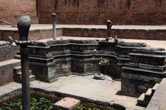 雕刻描述印度神话的装饰,加德满都 库存照片