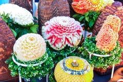 雕刻果子的西瓜南瓜和红萝卜 免版税图库摄影