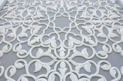 雕刻样式的花卉主题做由GRC在修造的外部 图库摄影