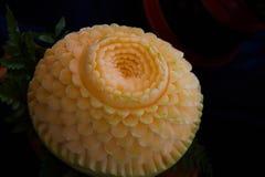 雕刻瓜果子是被仿造的泰国的全国艺术 库存图片