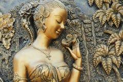 雕刻的妇女 免版税图库摄影