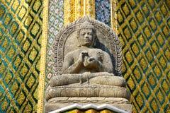 雕刻001的菩萨石头 免版税库存照片