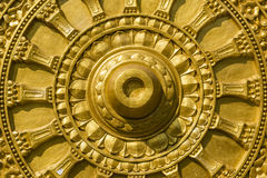 雕刻纹理的菩萨金子 免版税库存图片