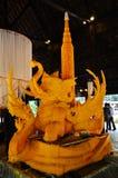 雕刻雕塑大蜡烛做 库存照片