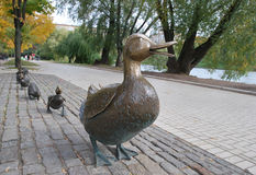 雕刻A鸭子用鸭子 库存图片