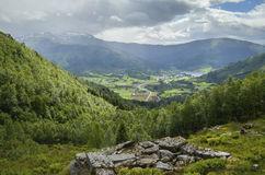 雨和太阳,挪威 免版税图库摄影