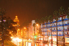 雨在城市 免版税图库摄影