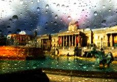 雨在特拉法加广场的伦敦 库存图片