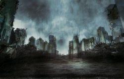 雨在被毁坏的城市 免版税库存图片
