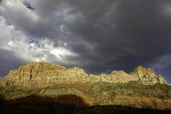 雨在锡安国家公园 免版税库存照片