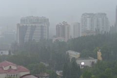 暴雨在2015年6月,第25的俄国索契,导致floodi 免版税库存图片