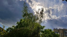 雨多云天空太阳天气 免版税库存图片