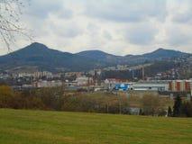 雨天在共产主义之后工业重镇在捷克,欧洲 免版税库存图片