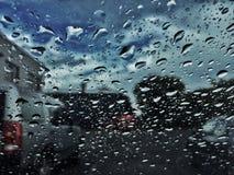 雨希望水投下窗口 免版税库存照片