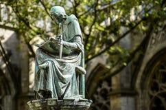 雨果Wstinc文字古铜色小雕象, Dom教会,乌得勒支 免版税图库摄影