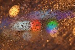 雨水抽象滴在玻璃07的 库存图片