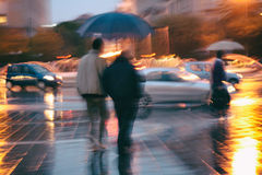 雨走 库存照片