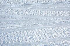 雪上电车的跟踪 库存图片