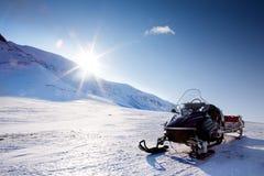雪上电车 免版税图库摄影