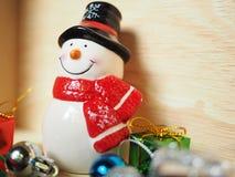 雪人和圣诞节装饰 库存照片