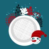 雪人在冻森林里。 库存图片