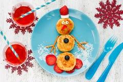雪人酸奶干酪薄煎饼早餐 免版税库存图片