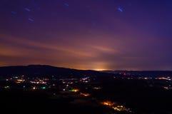 雪伦多亚河谷的长的曝光在晚上,从地平线博士 免版税库存图片