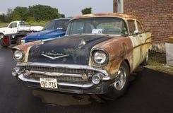 1957年雪佛兰两门轿车 库存照片