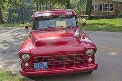 1966年雪佛兰卡车正面图 免版税库存图片