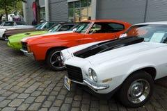 雪佛兰Camaro和薛佛列Chevelle SS小轿车和推托挑战者 库存照片