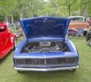 1967年雪佛兰Camaro正面图 库存照片