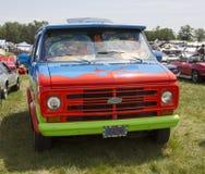 1974年雪佛兰Scooby Doo奥秘机器范正面图 库存照片