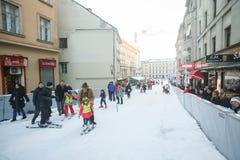 滑雪倾斜在世界雪天 免版税库存图片