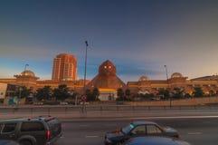 雪兰莪- 5月18 :在Sunway金字塔商城前面的高速公路2012年10月8日在雪兰莪,马来西亚 免版税库存图片