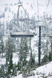 滑雪吊车在贝克山滑雪区域,华盛顿 免版税库存照片
