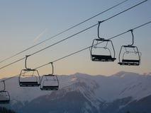 滑雪吊车椅子 库存图片