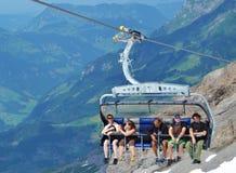 滑雪吊车瑞士 库存照片