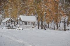 雪和小屋 库存图片