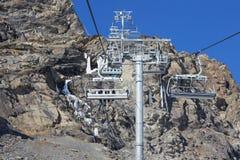 滑雪和雪板运动在阿尔卑斯 库存照片