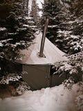 雪在与葡萄酒作用的冬天阵营落 库存照片