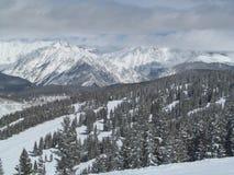 滑雪在科罗拉多12月Vail 库存图片