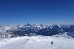 滑雪在Dolomti阿尔卑斯意大利滑雪区域 库存图片