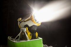 雪大炮在晚上 免版税图库摄影