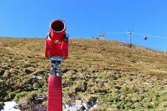 雪大炮在阿尔卑斯,奥地利,欧洲 库存照片