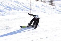 滑雪妇女雪sugli sci塞斯特列雷山口Sci俱乐部 库存图片
