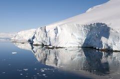 雪山在南极州 免版税库存图片