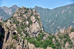 雪岳山国立公园令人惊讶的看法  免版税库存图片