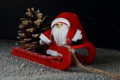 雪撬的圣诞老人 库存照片