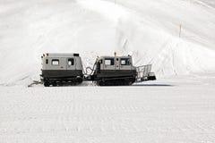 雪机器看法在滑雪滑雪道的在阿尔卑斯瑞士 库存图片